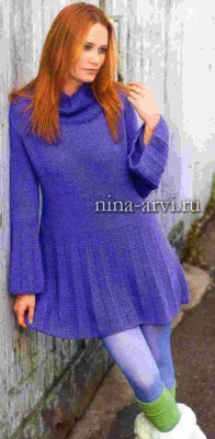 Теплое вязаное платье спицами