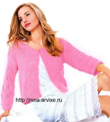 Розовый вязаный жакет спицами